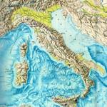 Карта рельефа Италии, включая рельеф морского дна